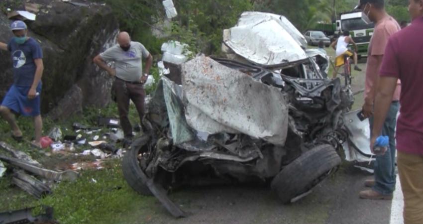 Múltiple colisión provocada por furgón sin frenos