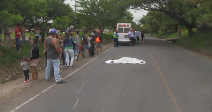 Joven muere atropellada por motociclista