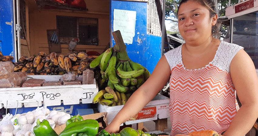 Comerciantes del mercado Alfredo Lazo de Estelí consideran que diciembre fue su mejor mes para oxigenarse económicamente. Además, anunciaron que esta semana el precio del queso bajó 5 córdobas.