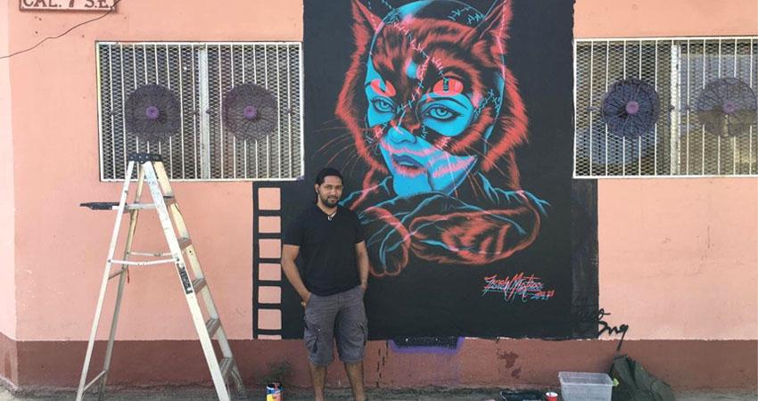 La técnica permite observar dos figuras a la vez. El mural fue elaborado por Danilo Blandón, conocido como Torch Místico.