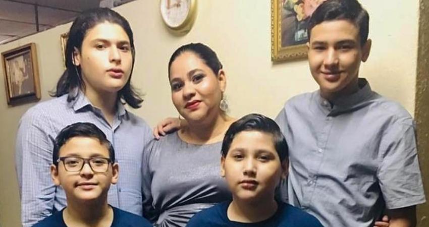 Calvario para familia capitalina. Una madre y sus 4 hijos se enfrentan al lupus, una enfermedad autoimmune y sin cura. Cada mes la familia debe adquirir medicamentos excesivamente caros para hacerle frente a su situación.