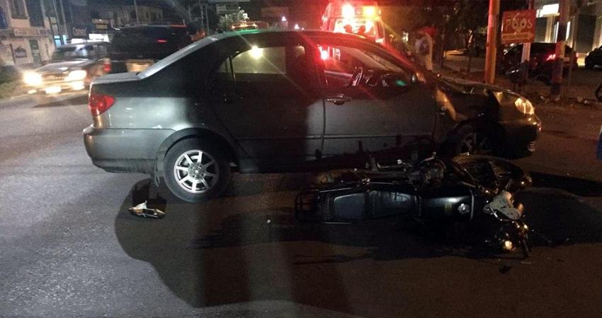 Testigos señalan que uno de los conductores irrespetó la señal de alto.