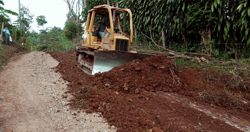 Camino en reparación. Foto: Cortesía