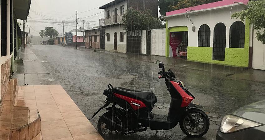 La esperada lluvia cayó en abundancia ayer. Foto: Equipo Digital/Radio ABC Stereo