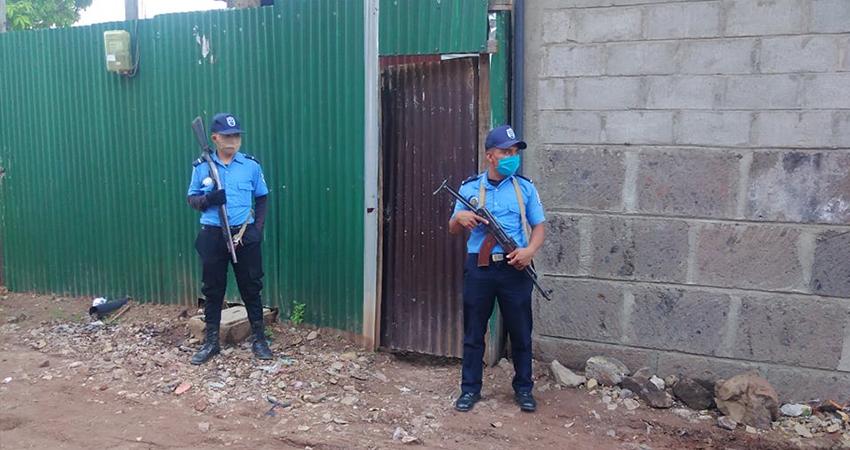 El descuentero fue ultimado dentro de la vivienda. Foto: Juan Fco. Dávila/Radio ABC Stereo