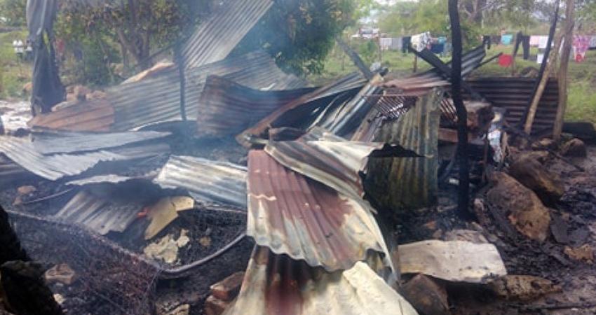 Incendio arrasa con humilde vivienda en Estelí