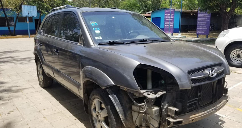 La camioneta fue robada de un taller de mecánica por uno de los trabajadores del lugar, quien tiene antecedentes. El vehículo fue hallado en San Benito.