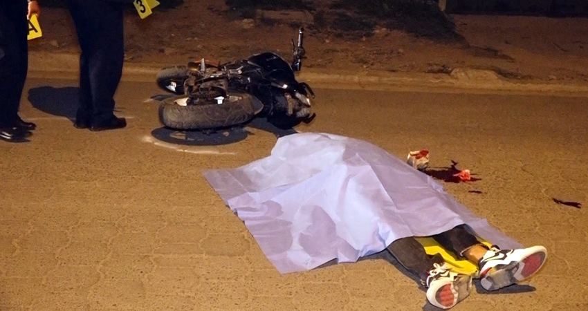 La víctima murió en el lugar. Foto: Juan Fco. Dávila/Radio ABC Stereo