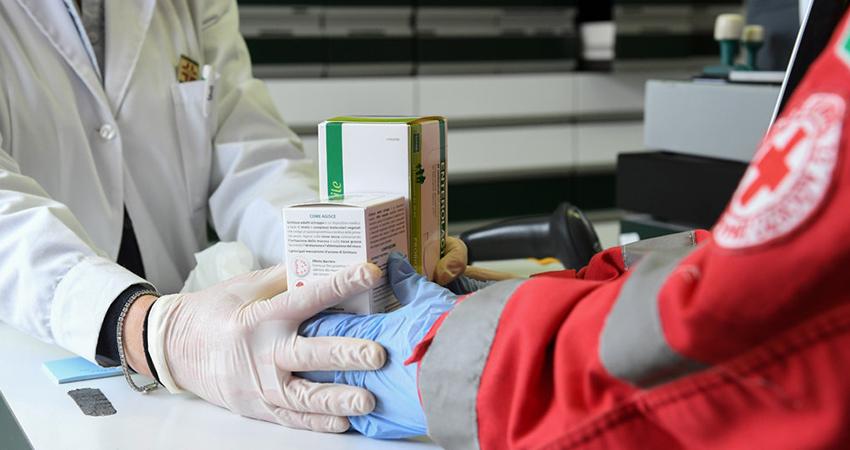 Especialistas insisten en no automedicarse ante sospecha de coronavirus