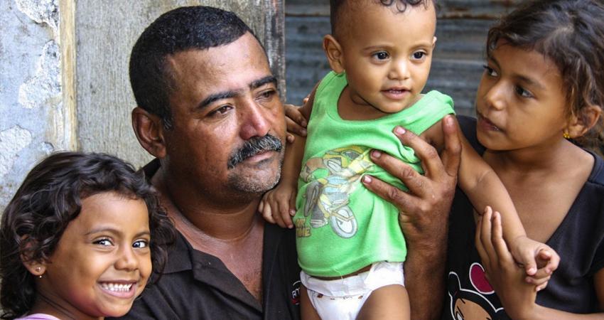 Un padre presente contribuirá al desarrollo de sus hijos. Foto de referencia.