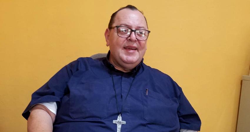 """Padre Francisco Valdivia: """"estoy bien de salud gracias a Dios"""""""