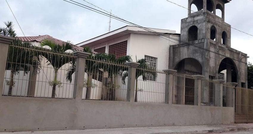 Intentan cometer robos en la parroquia La Cruz del Calvario