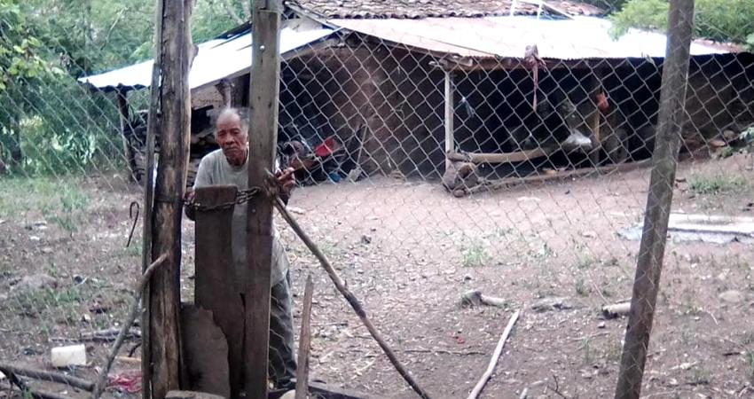 Don Pedro Pablo Flores fue víctima de robo en su humilde vivienda. Foto: Cortesía/Byron Castellon