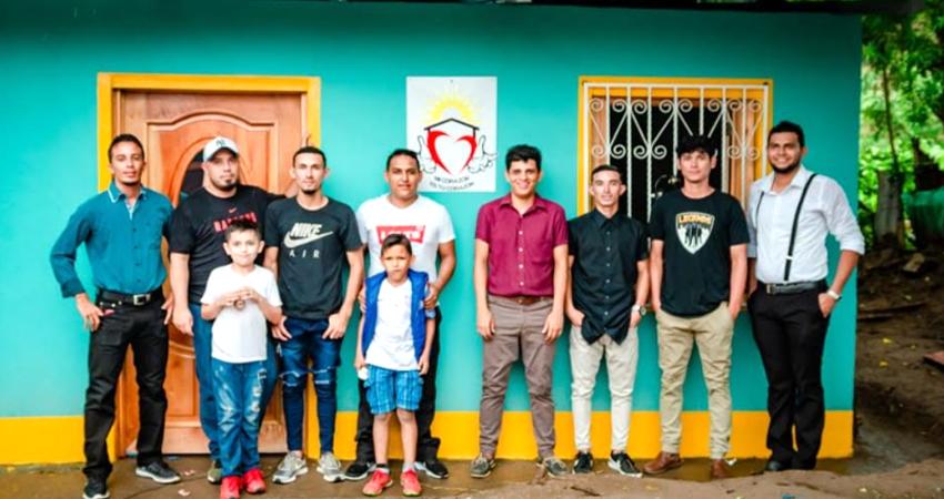 Miembros de la Fundación Mi Corazón es tu Corazón. Foto: Cortesía