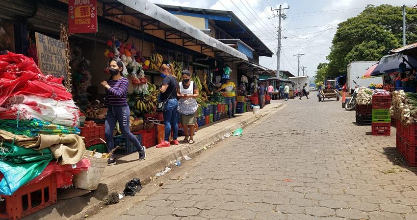 Los comerciantes aseguran que las malas ventas los motivan a pedir rebaja en los impuestos. Foto: Roberto Mora/Radio ABC Stereo