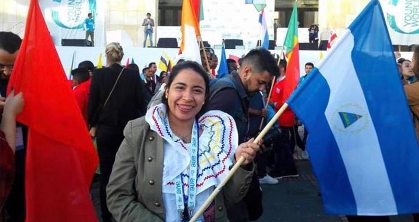 Adela Ubau ha puesto en alto el nombre de Nicaragua a través de su trabajo enfocado en desarrollo social. Ha tenido proyectos en Nicaragua, Costa Rica, Colombia y Perú. Recientemente fue incluida en un libro escrito en Japón que recoge las historias de 201 jóvenes de todo el mundo.