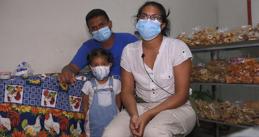 Entre la angustia y la esperanza. Nicaragua ha sido ruta de tránsito de venezolanos y haitianos que huyen de la crisis económica de sus países. En Jalapa, Nueva Segovia, transitan decenas de personas en su ruta hacia los Estados Unidos.