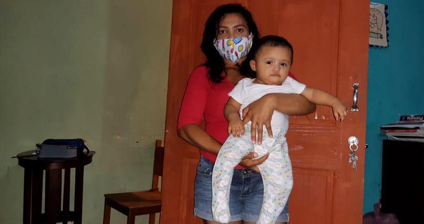 La preocupación principal de Heydi  era no poder amamantar a su bebé. Foto: Famnuel Úbeda/Radio ABC Stereo