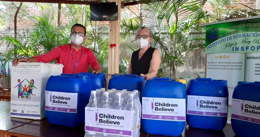 Escuelas y personal del Minsa en Estelí son favorecidos con productos de limpieza