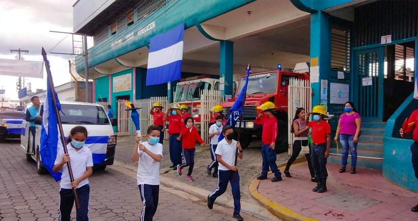 La sirena sonó como muestra de recibimiento al símbolo de la Independencia de Centroamérica. Foto: Juan Fco. Dávila/Radio ABC Stereo
