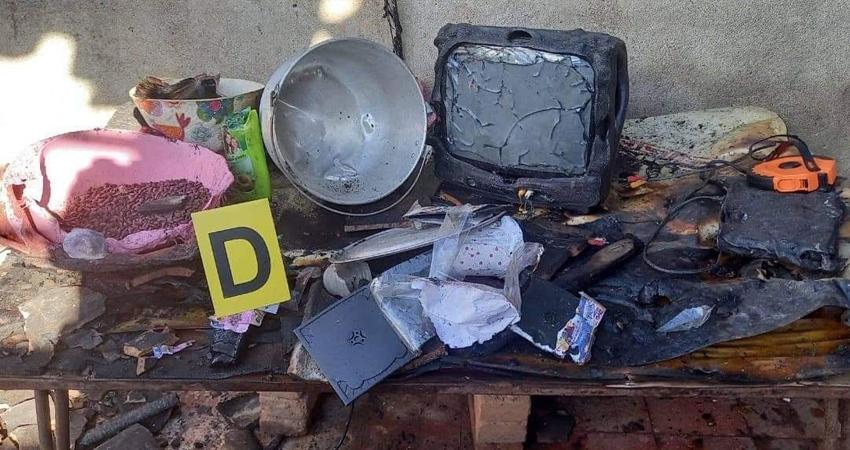 El fuego arrasó con todo aunque los vecinos de la zona unieron esfuerzos para tratar de controlar el siniestro ocurrido en la comunidad San Rafael de Jalapa.