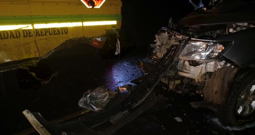 Según testigos, el conductor de la camioneta manejaba en estado de ebriedad y a exceso de velocidad.