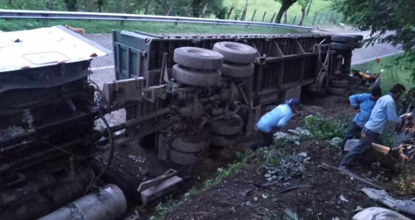 El conductor resultó con lesiones de consideración. Foto: Cortesía/Radio ABC Stereo
