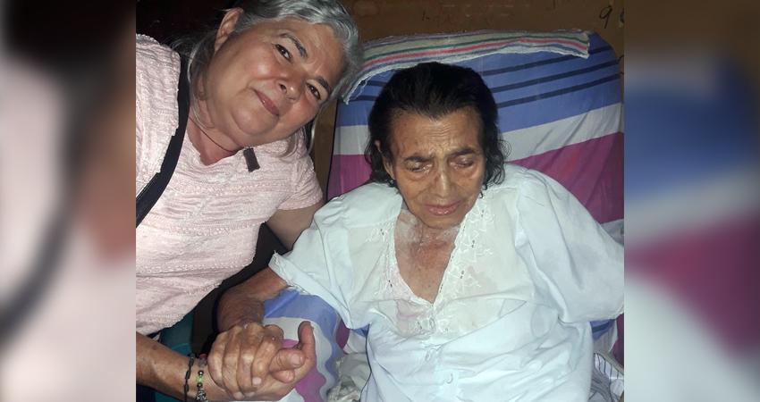 Cleotilde Lanuza (a la derecha) falleció el 22 de septiembre. Foto: Cortesía