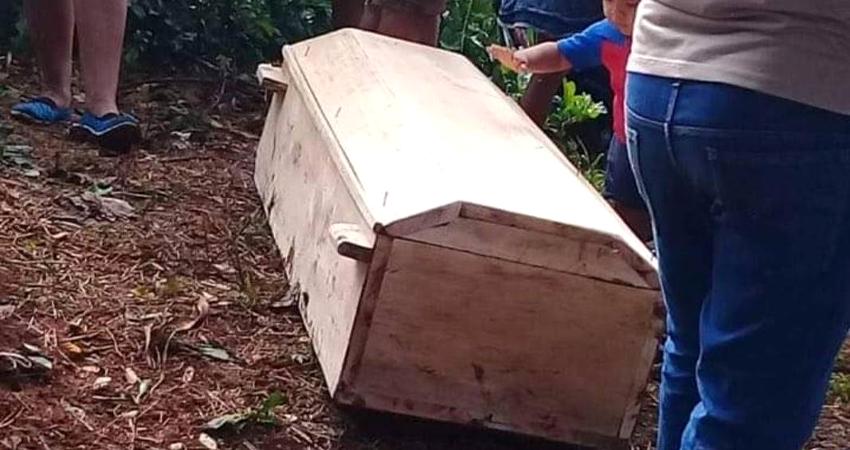 Repudiable. A un martirio fue sometida una pequeña niña de 4 años de edad en una comarca de La Dalia, Matagalpa. Su tío abusó sexualmente de ella, y junto a su pareja, golpearon salvajemente a la menor hasta quitarle la vida, según informe policial.