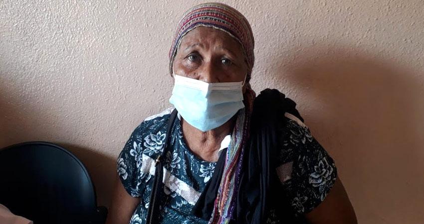 Con carta de libertad emitida hace tres meses, doña Lidia Azucena Matute exige que dejen salir de prisión a su hijo, quien lleva encarcelado más de 10 años.