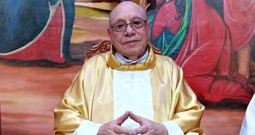 El sacerdote de 80 años de edad tuvo una grave recaída de salud, por lo que tuvo que ser ingresado de emergencia al hospital de Estelí, según fuentes religiosas.