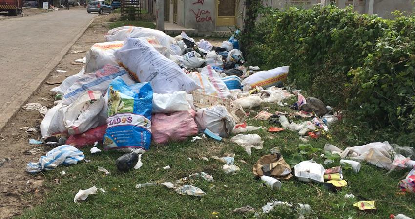 La basura acumulada representa un problema para la salud pública y el medio ambiente. Foto: Alba Nubia Lira/Radio ABC Stereo