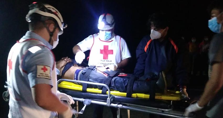 La víctima sufrió graves lesiones. Foto: Juan Fco. Dávila/Radio ABC Stereo