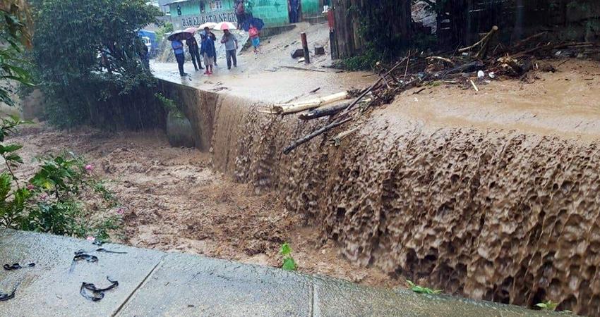 Entre los municipios segovianos, Murra reporta grandes inundaciones, casas parcialmente dañadas y fallas en el sistema de energía eléctrica.
