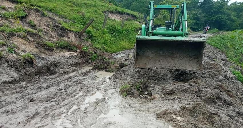 Algunos caminos se vieron afectados, provocando problemas de tránsito.