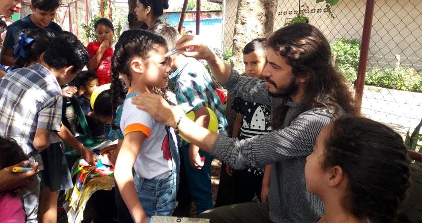 ¿Te gusta el teatro? La Iniciativa Colibrí de Estelí promovió una feria a favor del preescolar Gotita de Amor y aprovechó para invitar a unirse al proyecto a quienes les gusta la cultura.