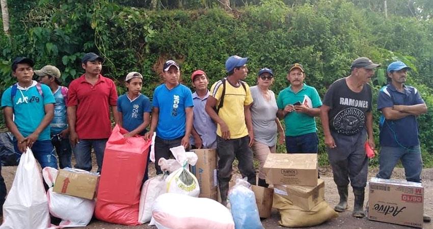 La alcaldía opositora se enfrenta a los efectos de los huracanes con un presupuesto recortado. La asistencia la han hecho con apoyo de comunitarios, organismos no gubernamentales y negocios locales.